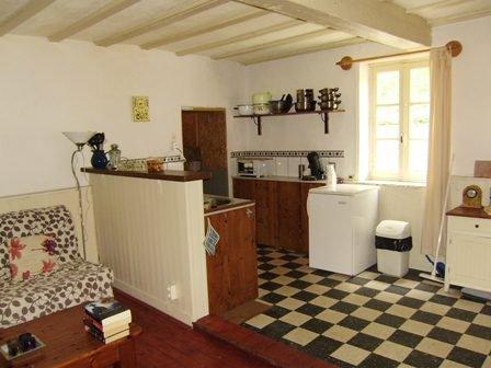 Dorpshuis met tuin te koop nabij Luzy, Nievre (Bourgogne).