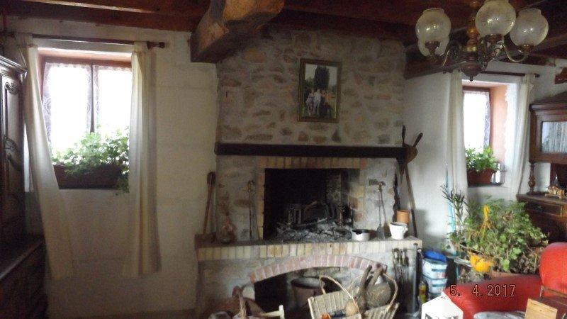 Renovated house on 3.800 m2 near LAROCHEMILLAY, 58 Nièvre.