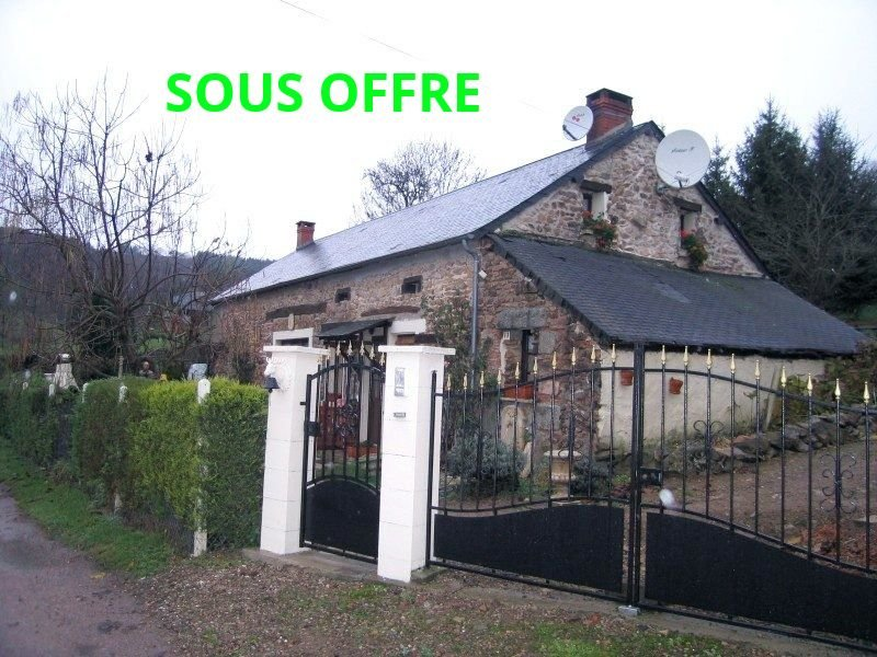 Farmhouse for sale overlooking the hills of the Morvan