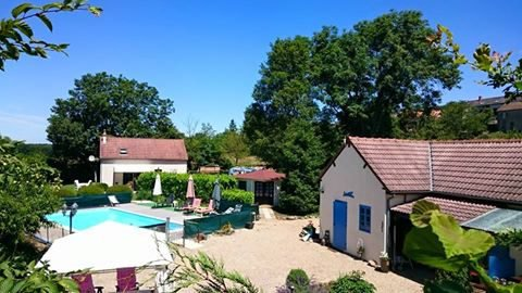 For sale 2 houses with  swimming pool Burgundy