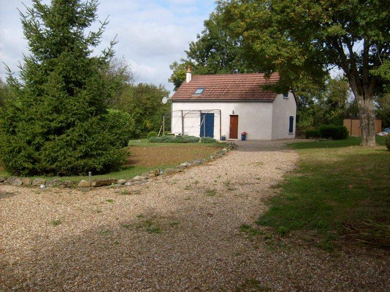 Te koop huis gite en zwembad in de Bourgogne