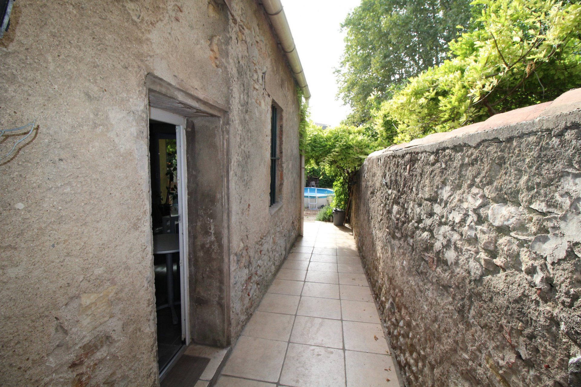 Brignoles, lovely house with a garden