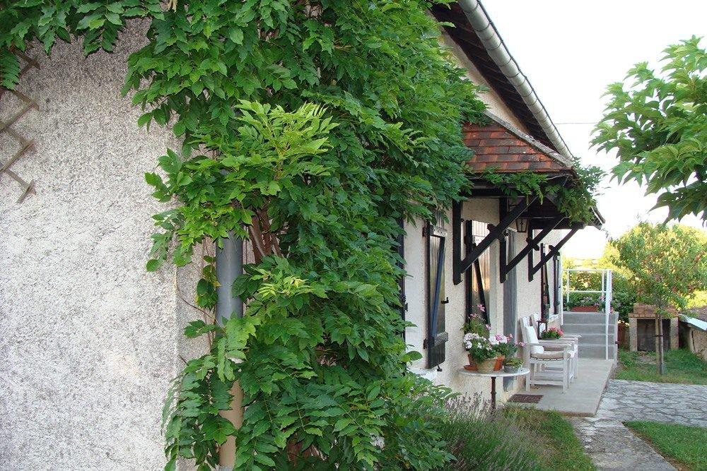 SOUS OFFRRE Maison de campagne avec jolie vue en Bourgogne