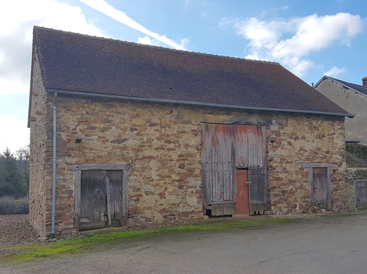 House with barn for sale in the south of the Brenne Indre 36