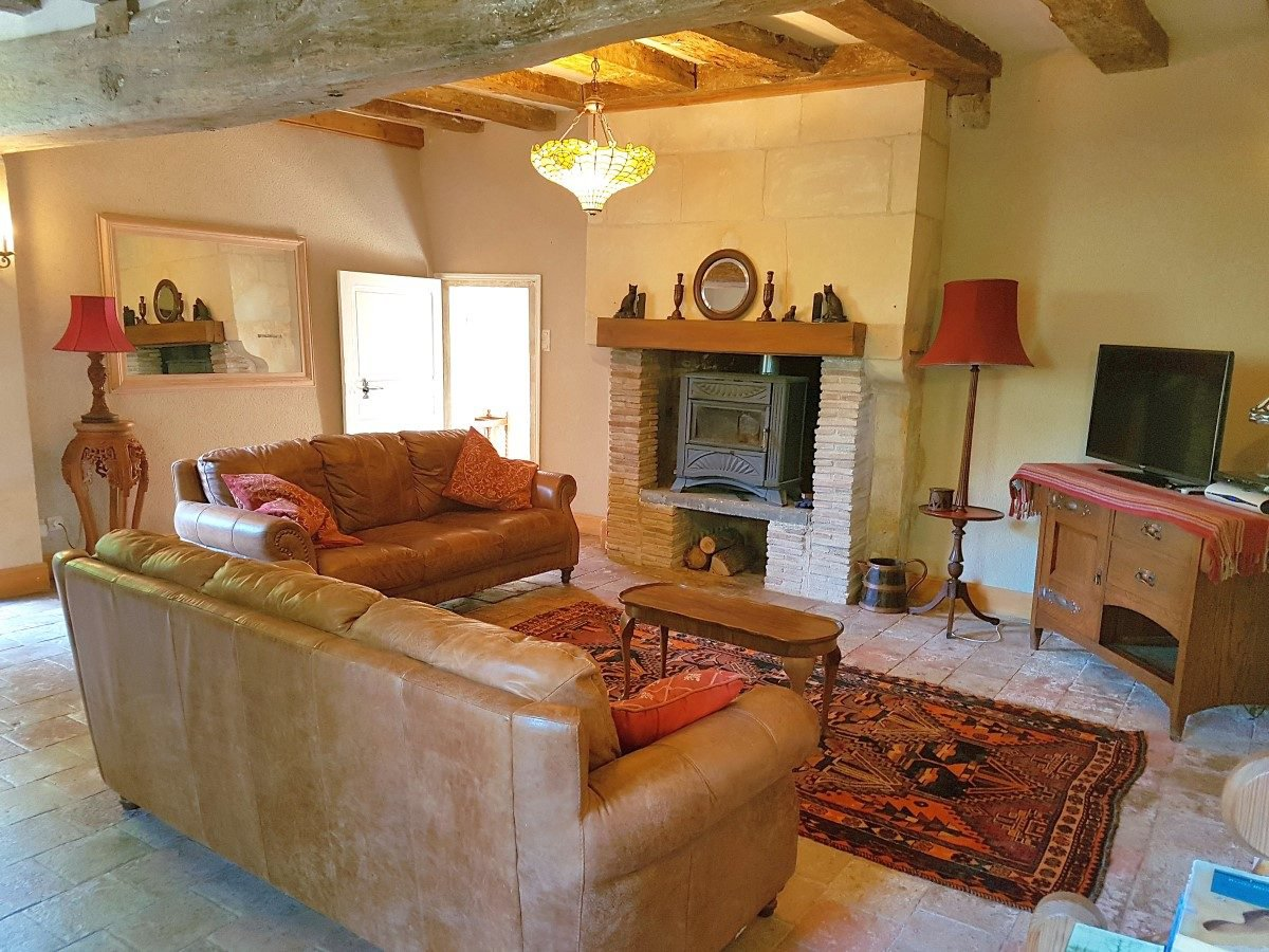 Near Saint Savin, Vienne (86): property of 3 houses with pool