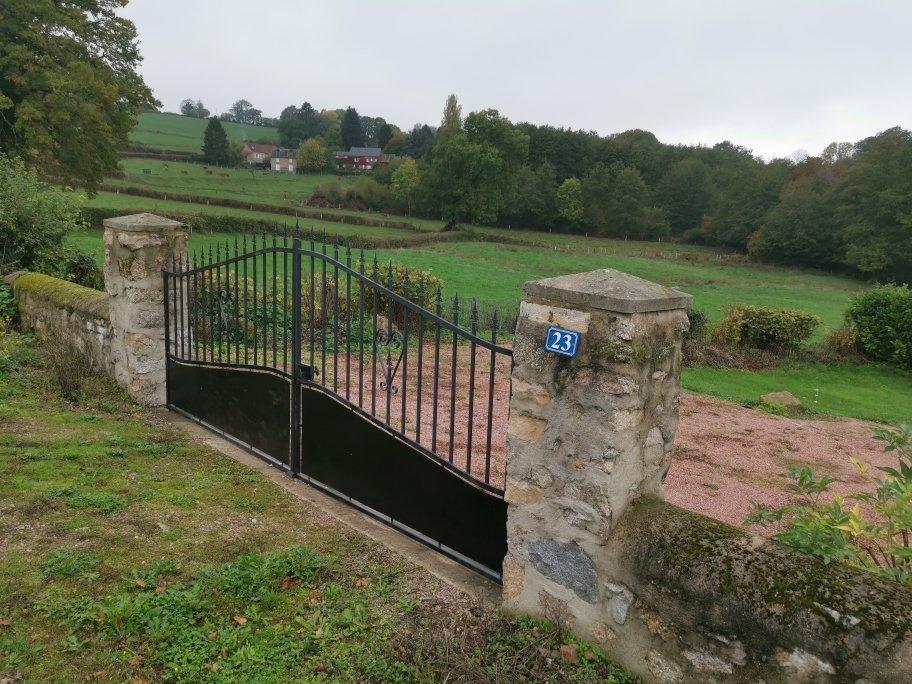 Jolie villa avec piscine à la campagne proche Avallon