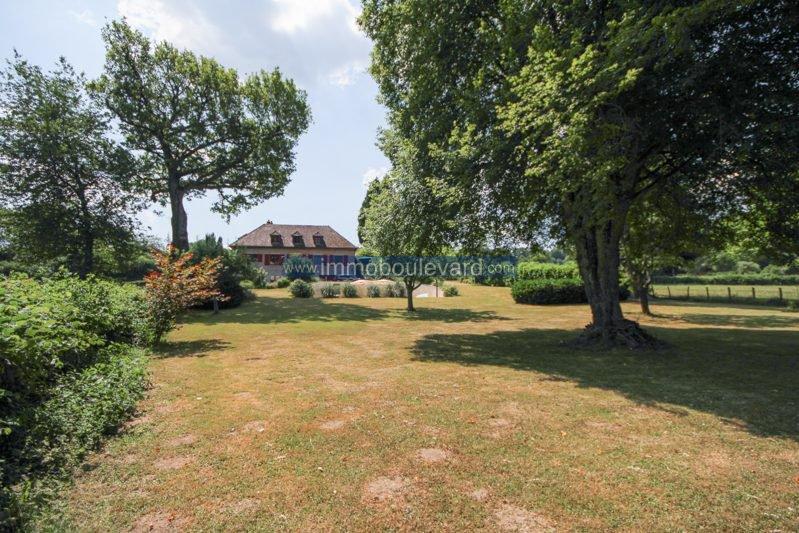 Nice villa with swimming pool near Lormes