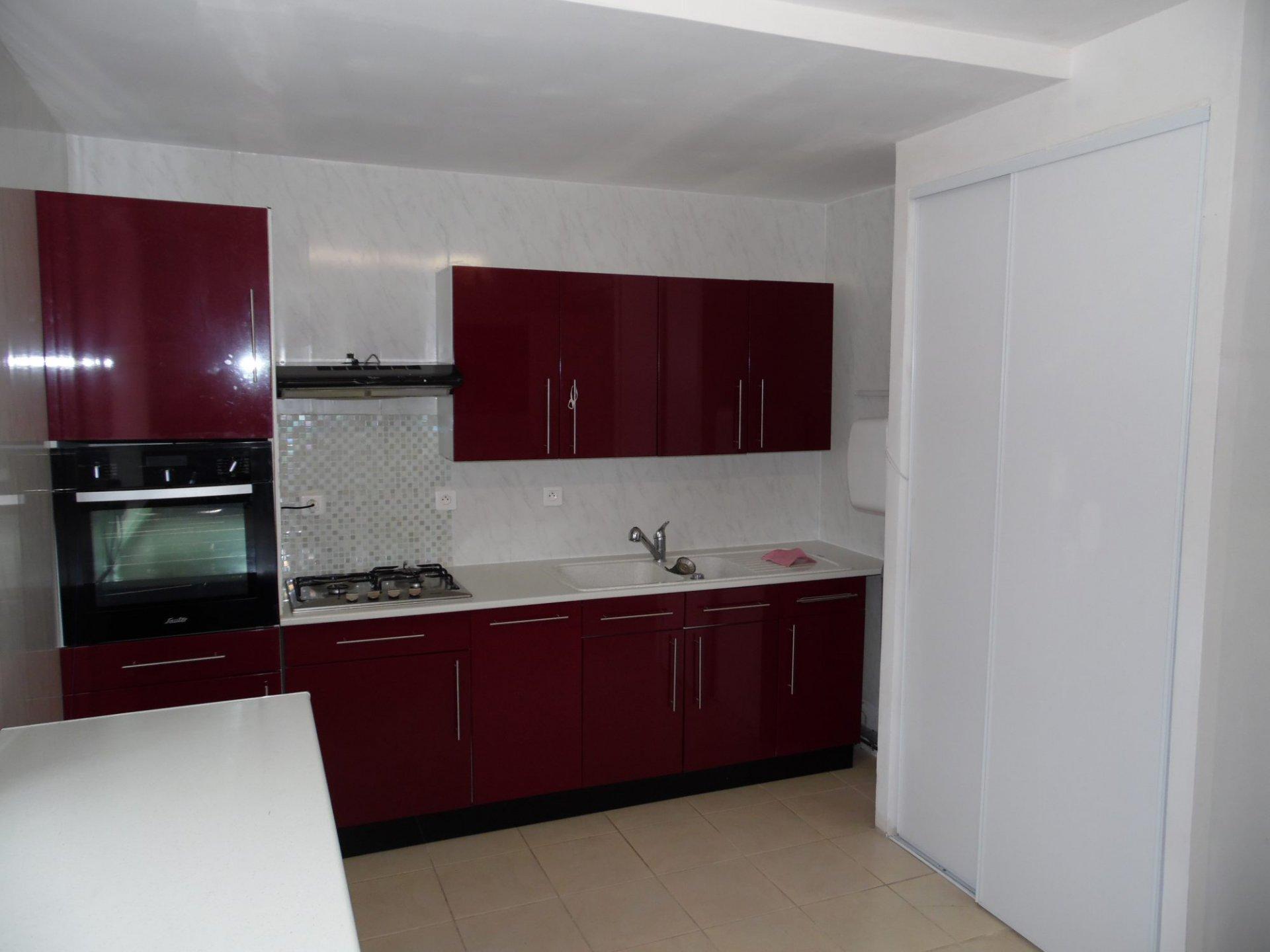 Komfortables und geräumiges Neubauhaus in Puy de Dôme zu verkaufen.