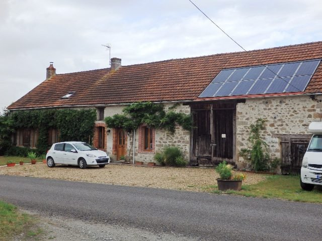 Exceptionnel 3 Bedroom House in Small Hamlet - Close to Amenities