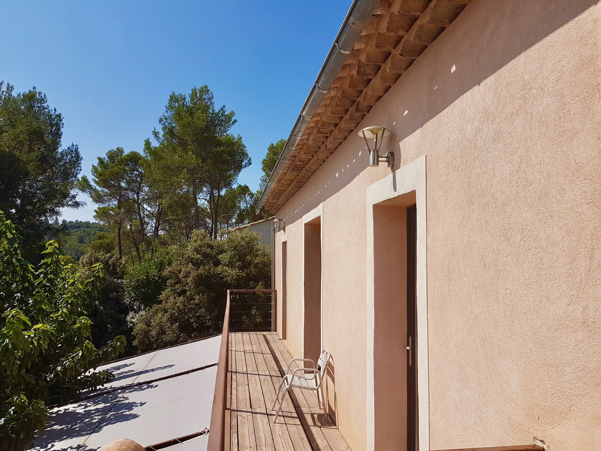 Sillans-La-Cascade, Villa with great view.