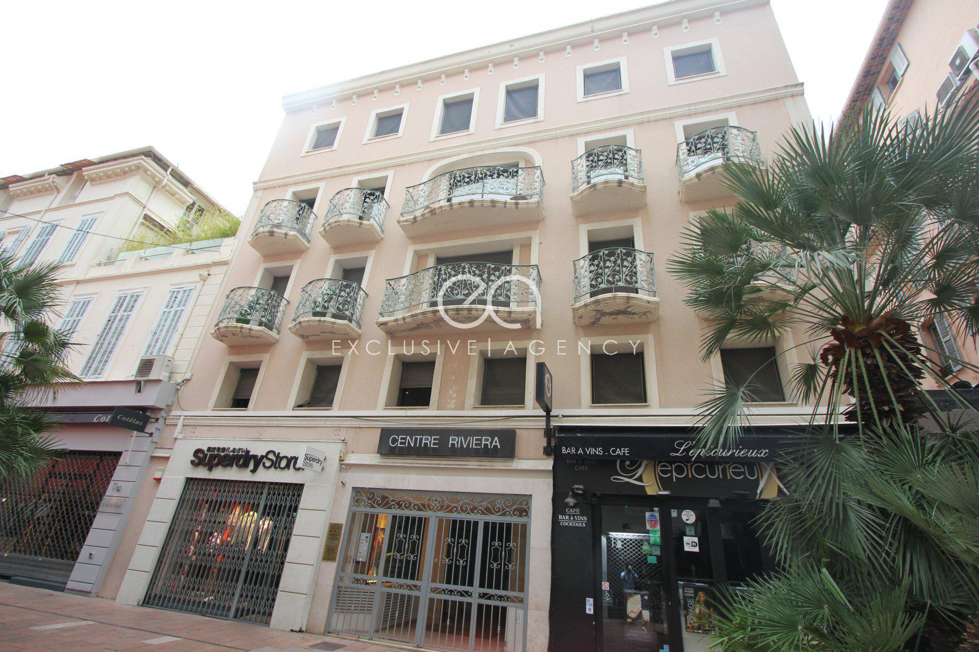 For sale Cannes Banane 1 bedroom apartment of 35sqm ideal rental investment
