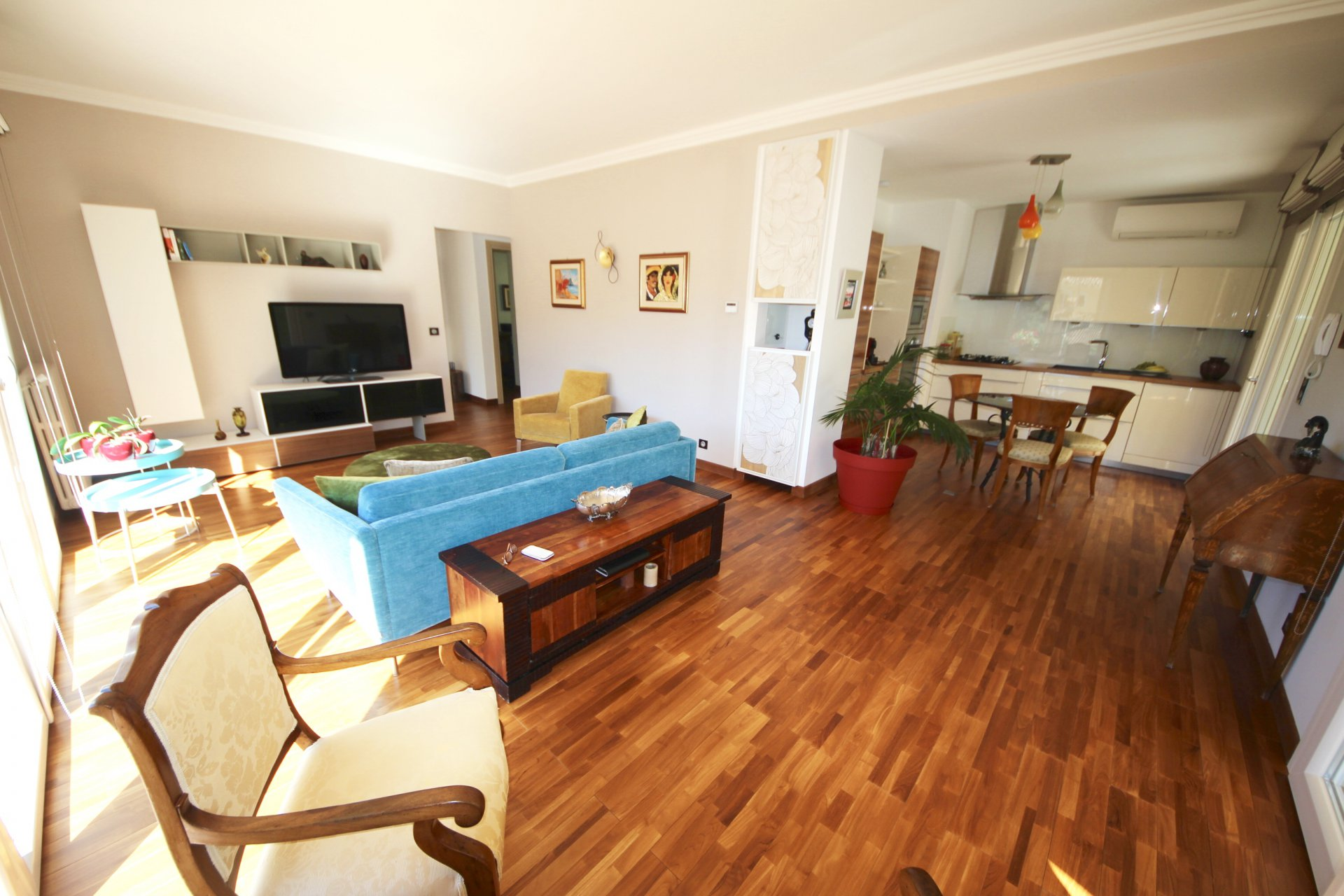 Splendid Ground floor 3 bedrooms apartment with garden Cannes Montfleury