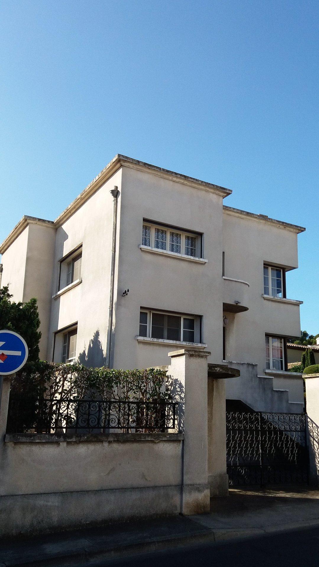 MAISON T6 en duplex + T1 sur 619 m²