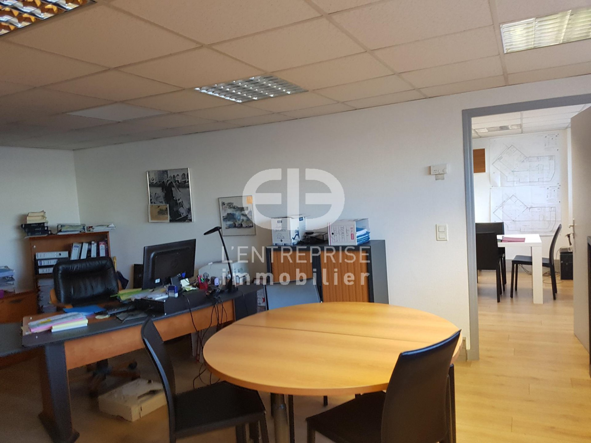 A LOUER LOCAL COMMERCIAL 3100m² ENTREE CANNES