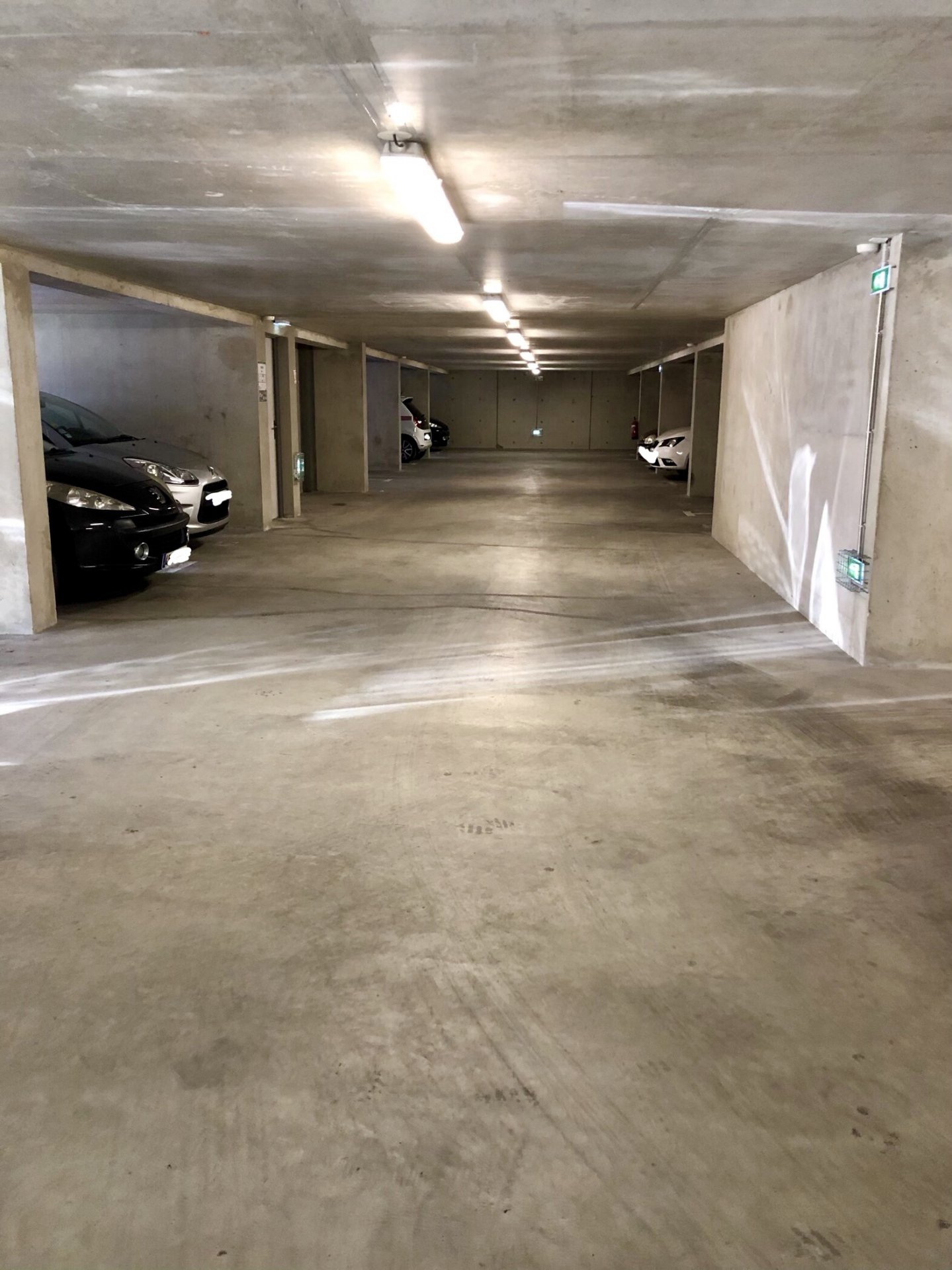 GRENOBLE, Place de parking Secteur Condorcet Thiers