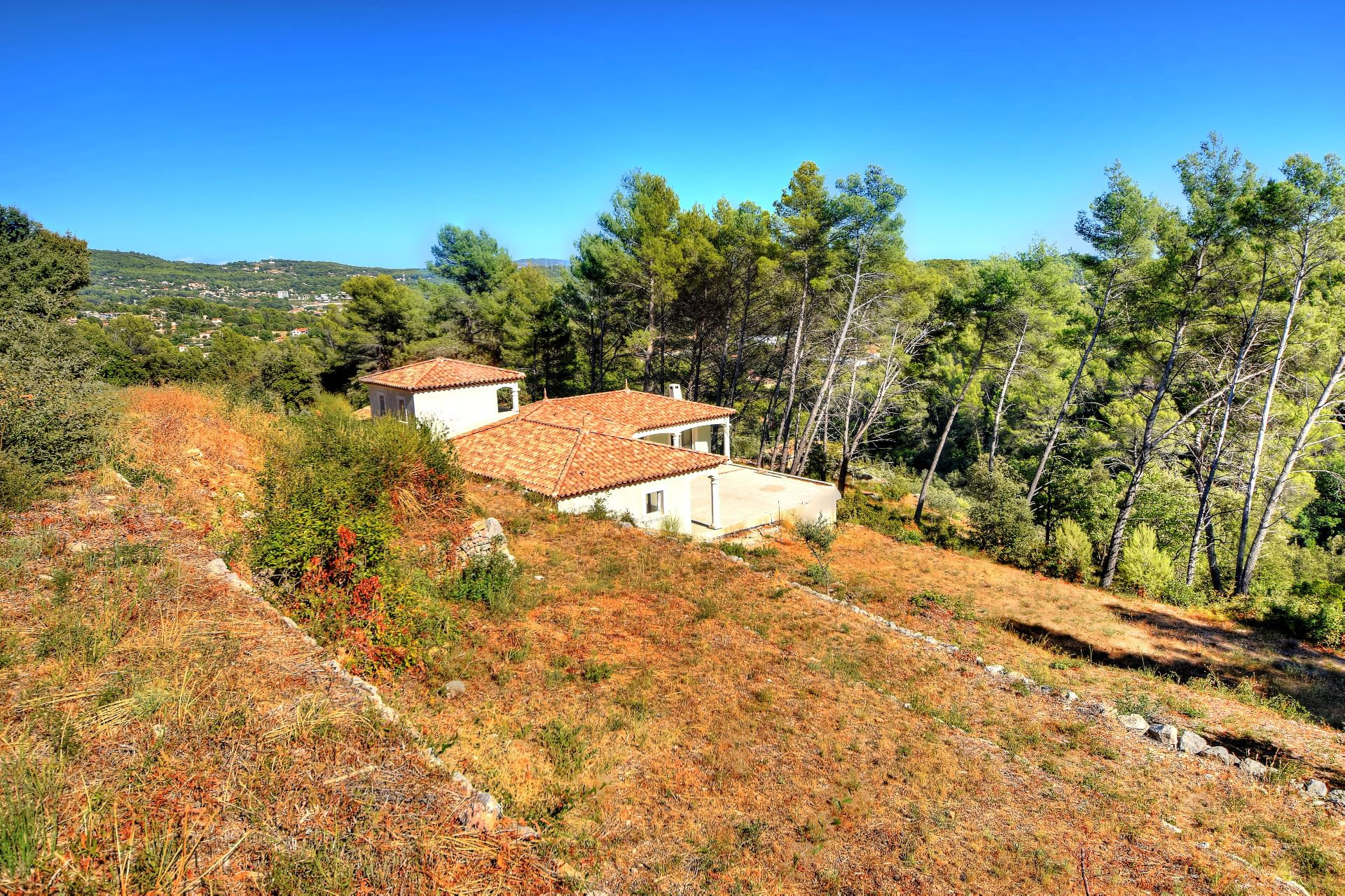 Draguignan, superb provencal house to finish... High quality benefits