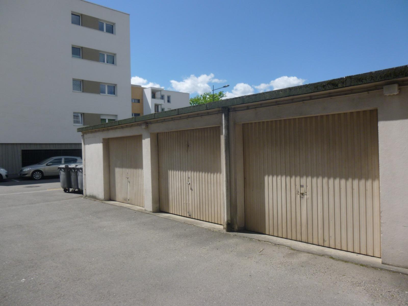 St Martin d'Hères, Garage