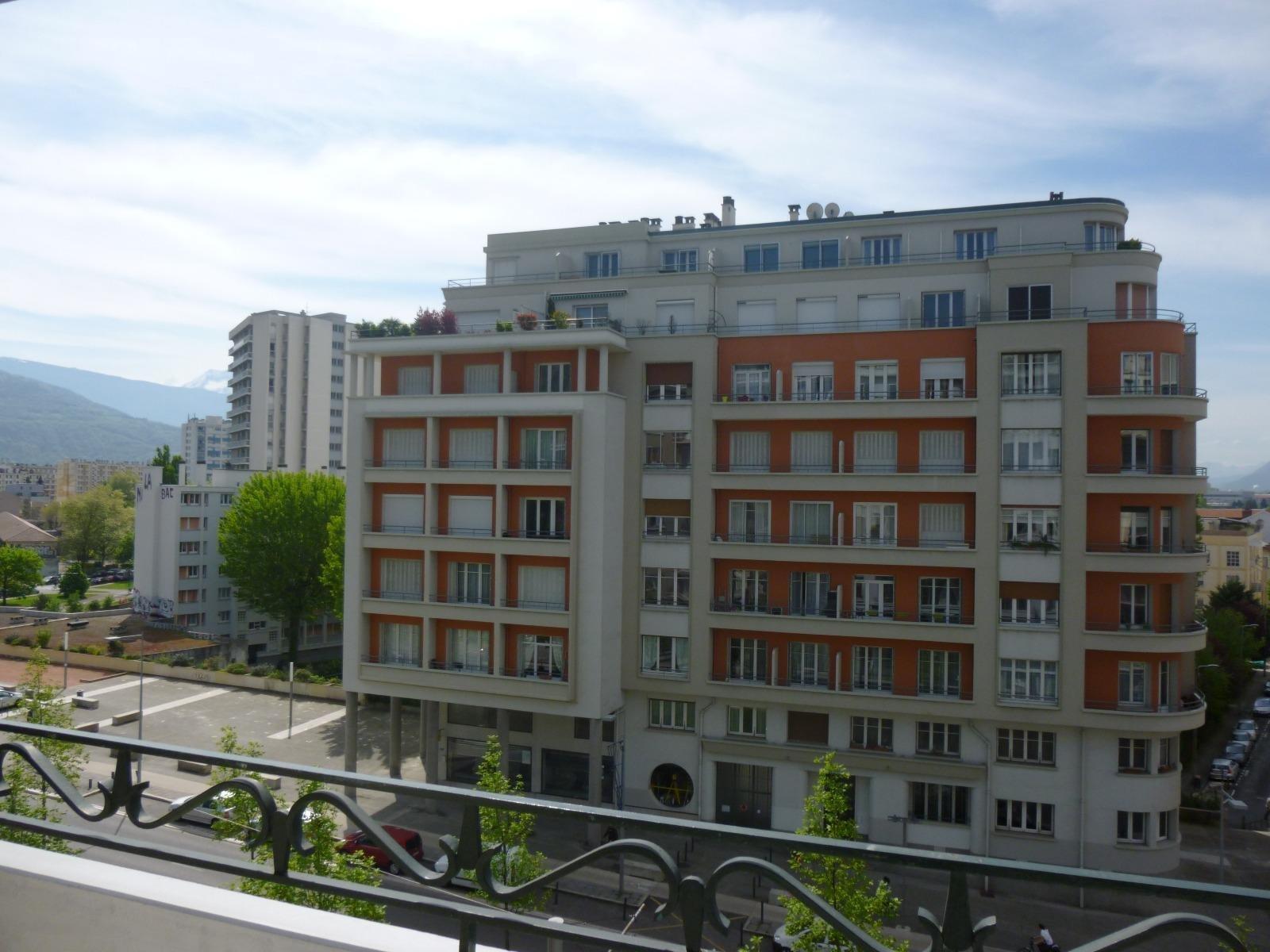 GRENOBLE, T1 bis + Balcon