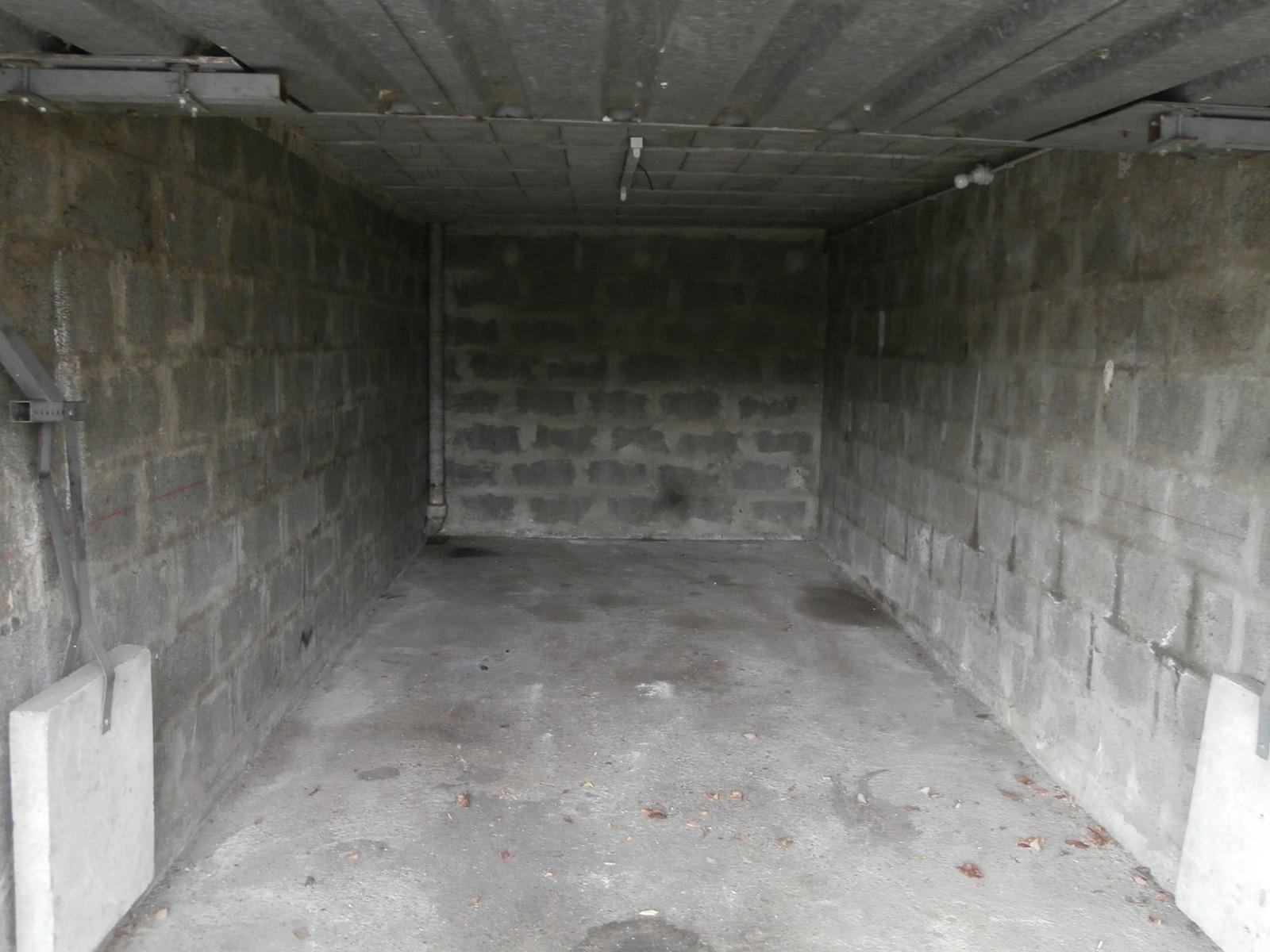 Garage Box