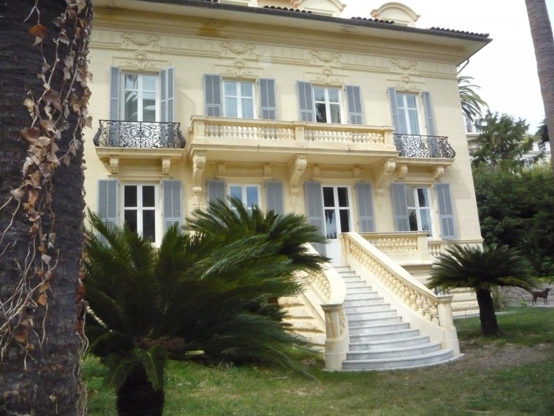 Villa for sale in Cimiez, Nice