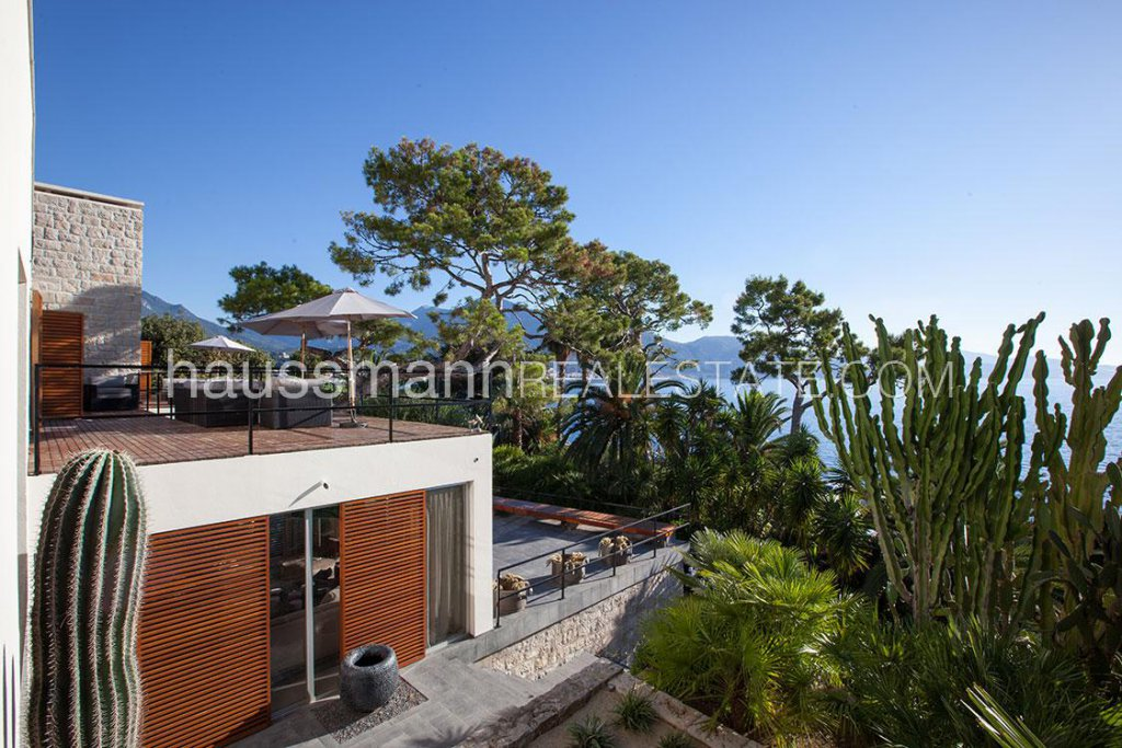 Hotel services contemporary house with panoramic sea view