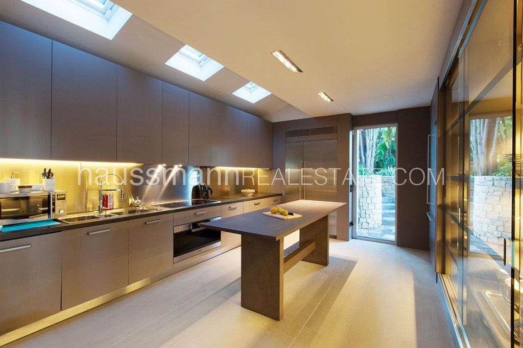 Skylight, natural light, stainless steel, kitchen island