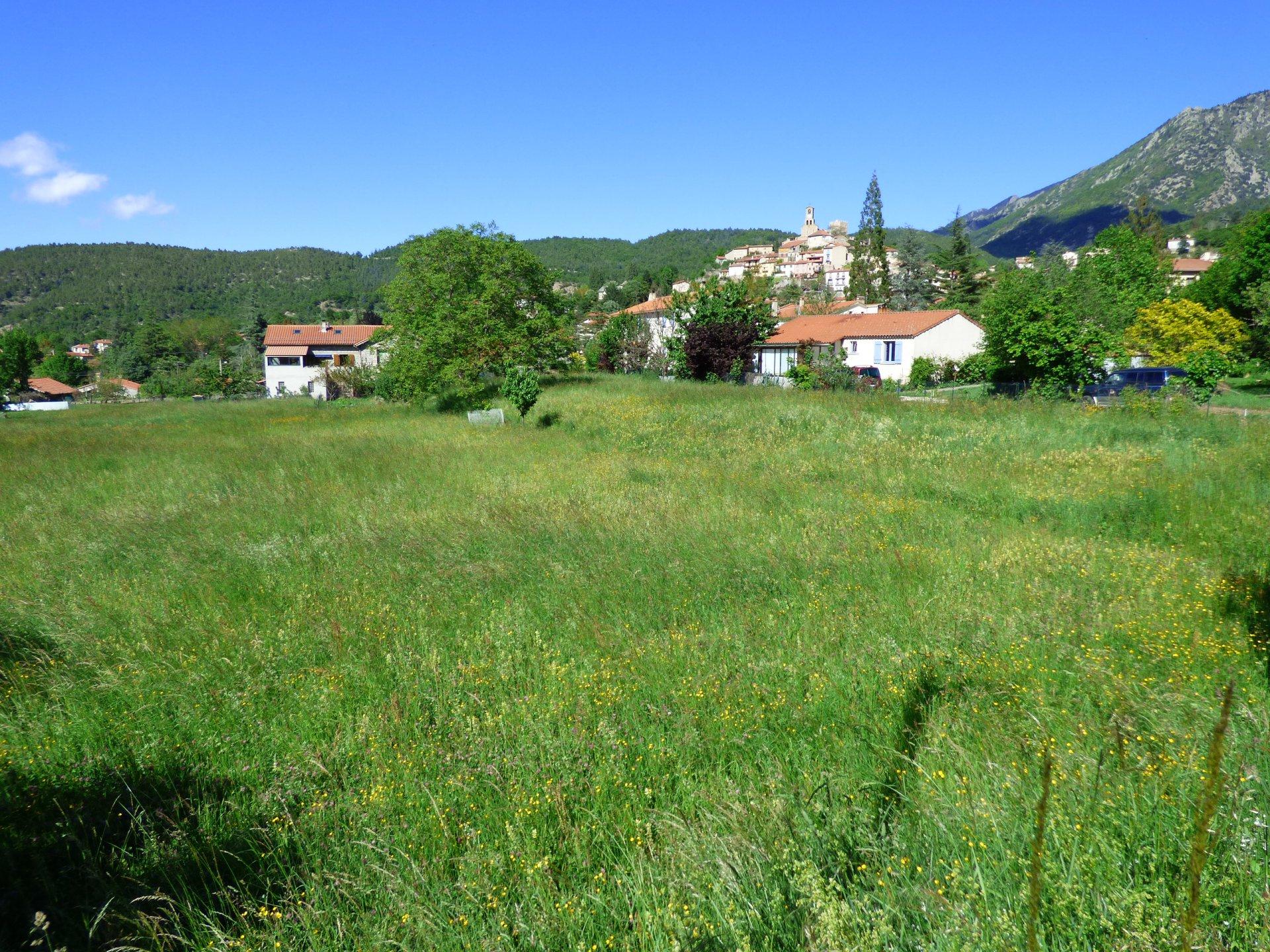 A Vernet les Bains- terrain constructible de 2525m²
