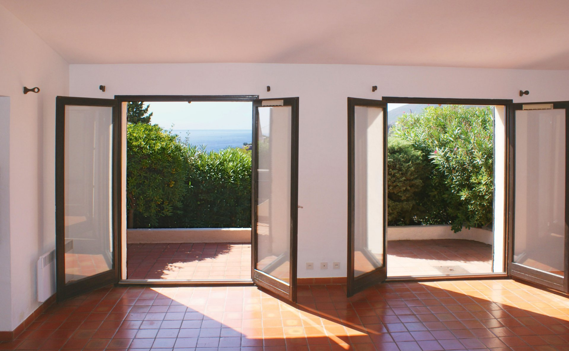 Enchanting end-terrasse house, 5 min walking to the beach