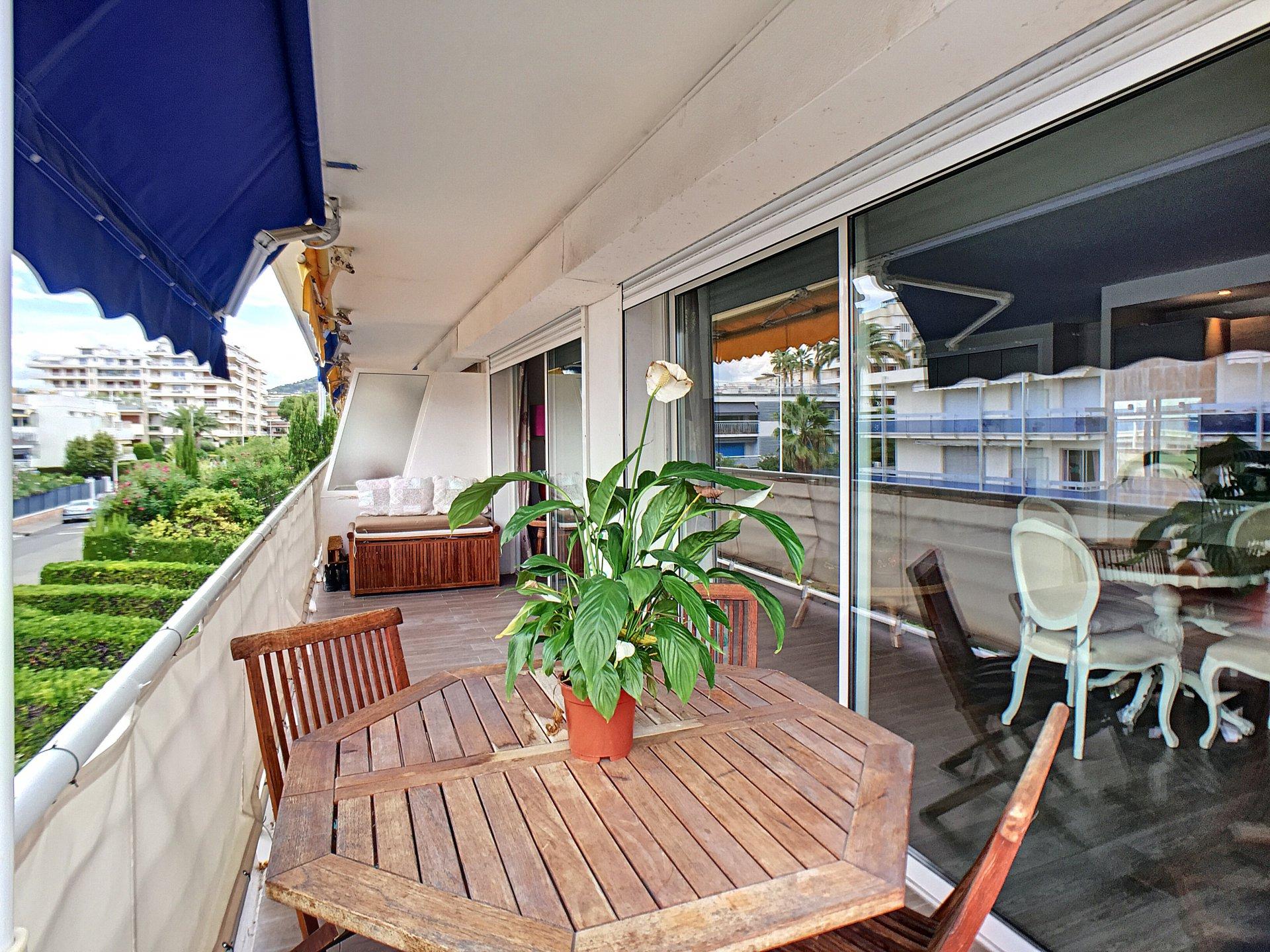 Cannes Palm Beach - 3 pièces de 67 m² avec terrasse!