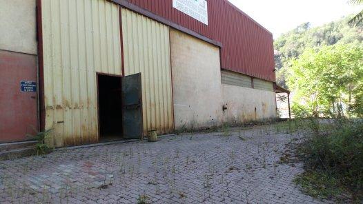 Entrepôt de 1200 m² à Contes
