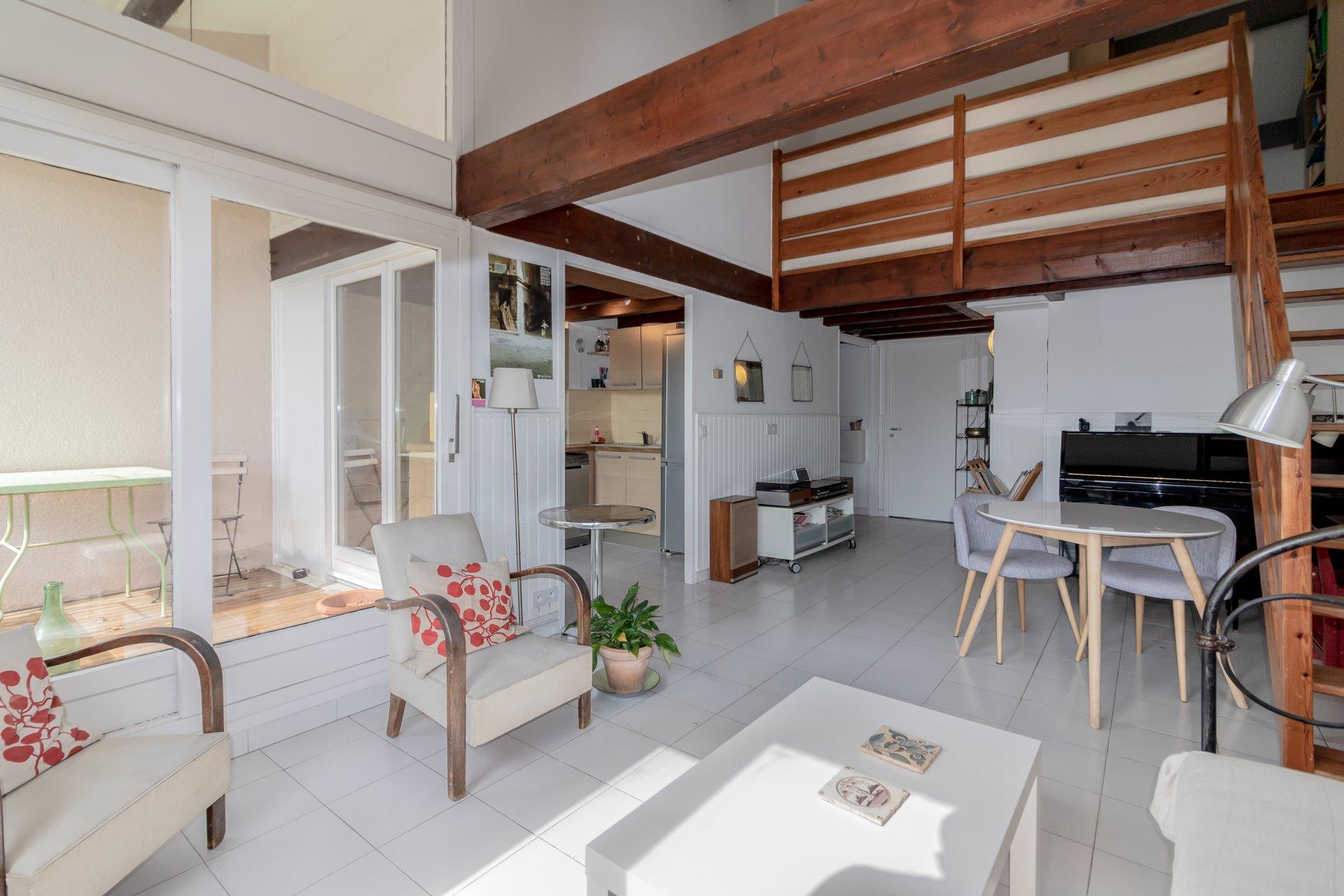 Plascassier top floor 3 bedrooms, terrace & parking