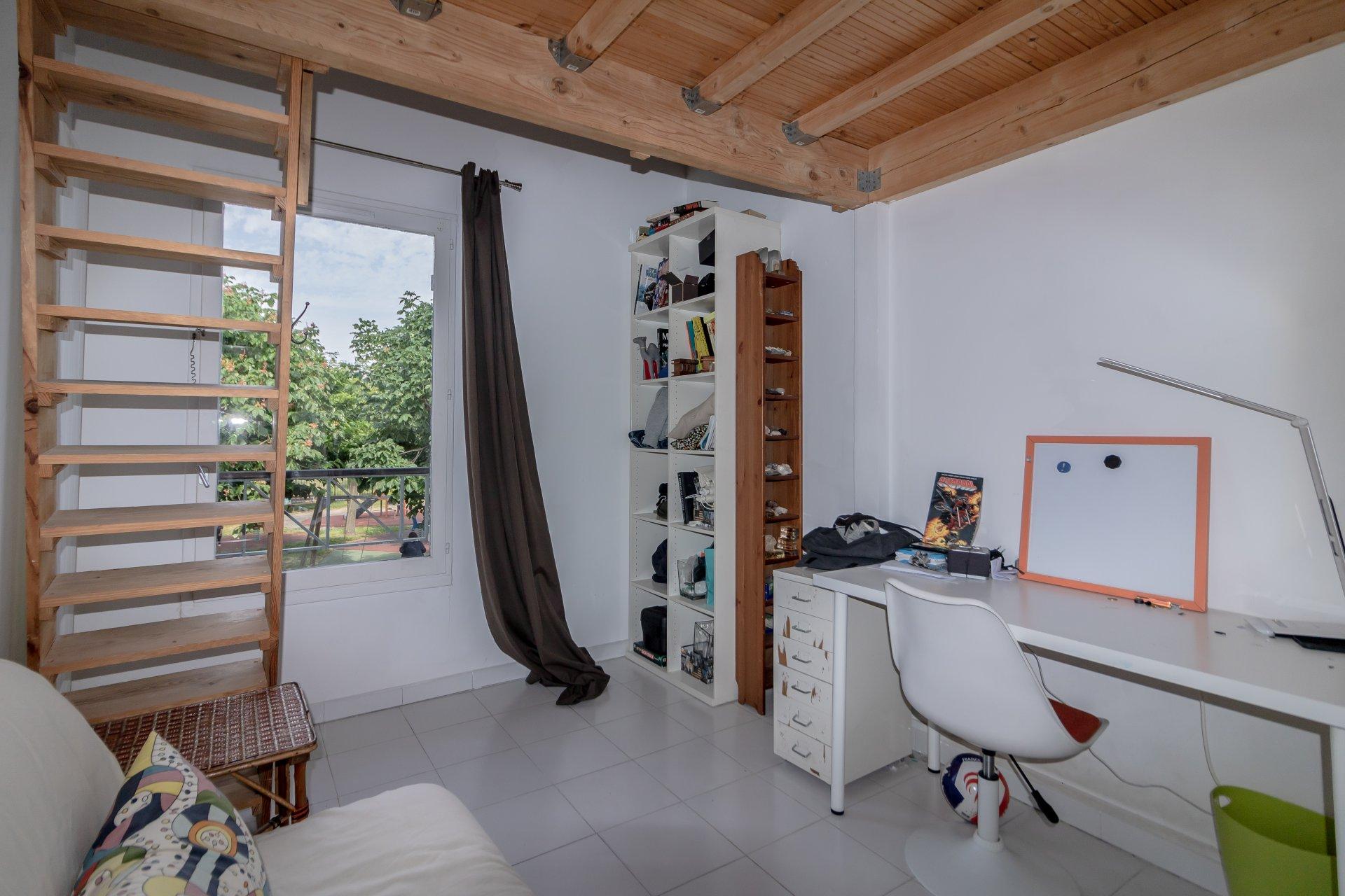 Plascassier, duplex 4-5 pièces dernier étage