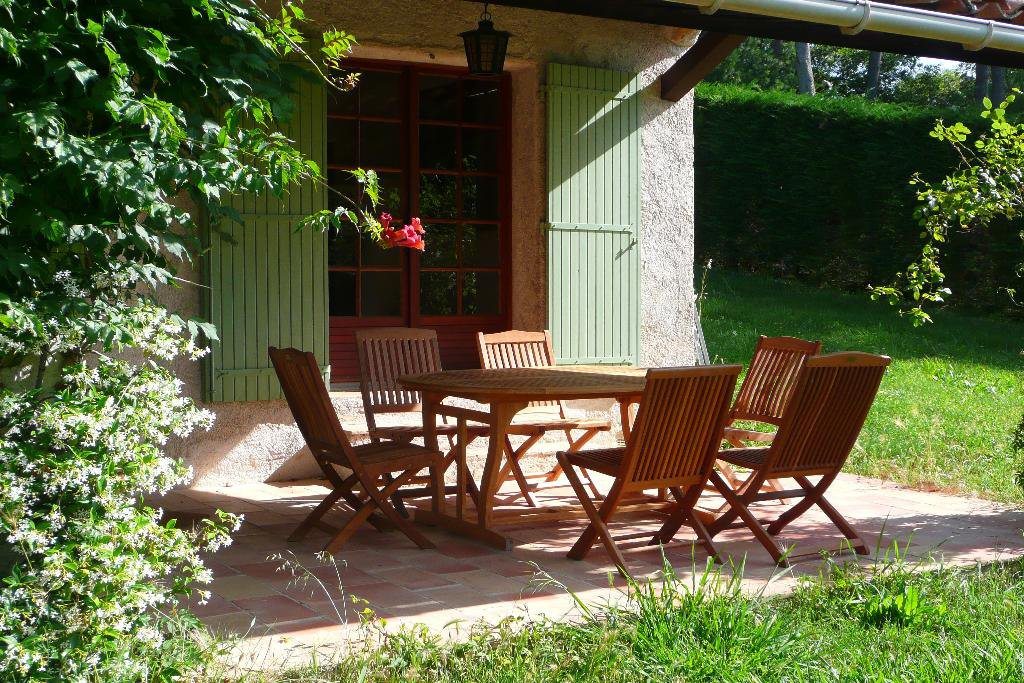 OpIo, furnished villa for renting, with pool