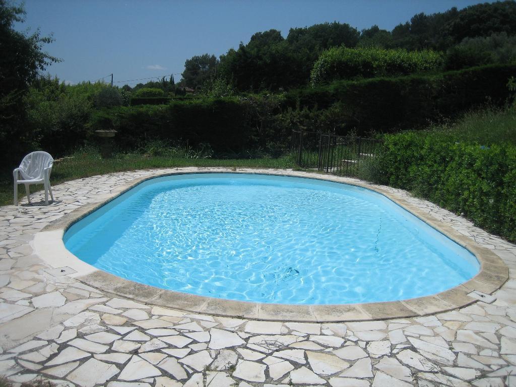 opio, villa meublée avec piscine à louer à la semaine