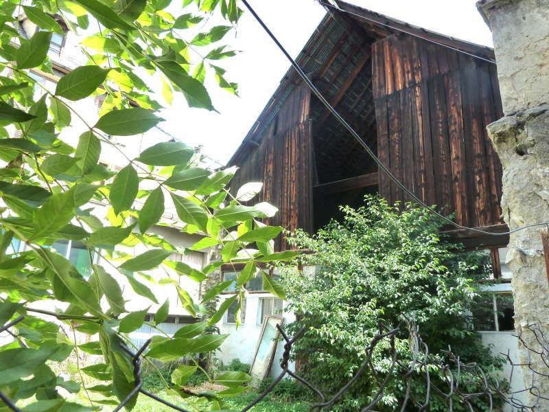 Grange avec jardin attenant