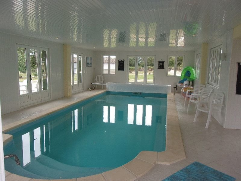Villa with Indoor Swimming Pool near Le Dorat Haute Vienne