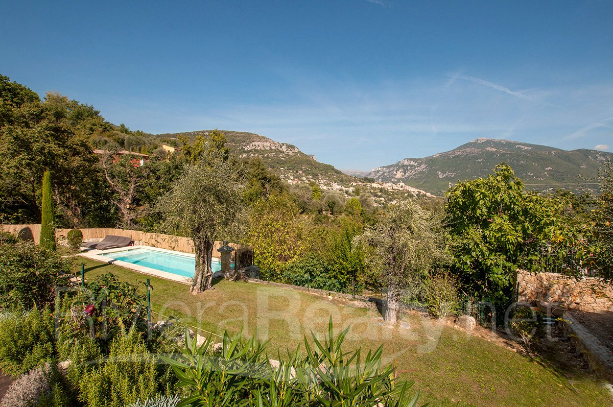 Immaculate 4 bedroom family home for sale - Le Bar sur Loup
