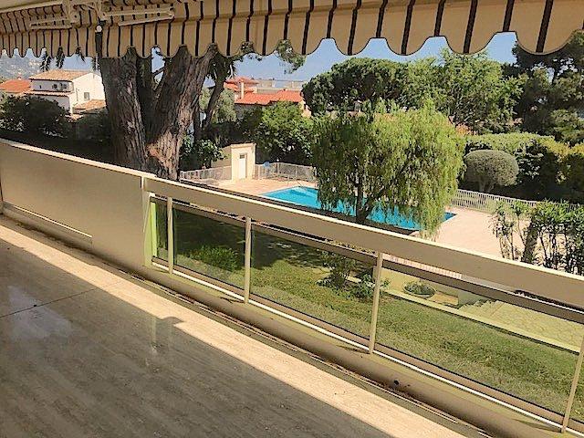 CANNES - grand 3 Pièces avec terrasse spacieuse.