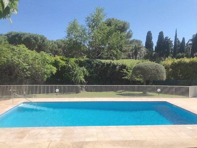 Cannes-85m2 + Terrace 56m2.Pool in the residence.