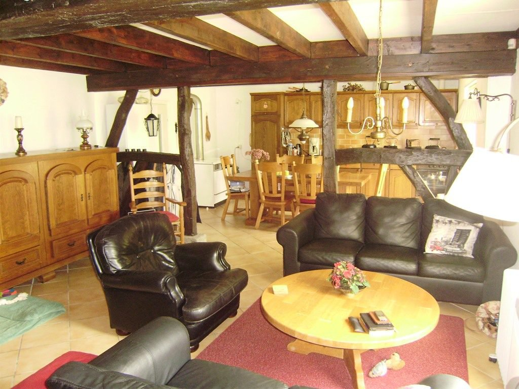 Charming cottage for sale in Burgundy