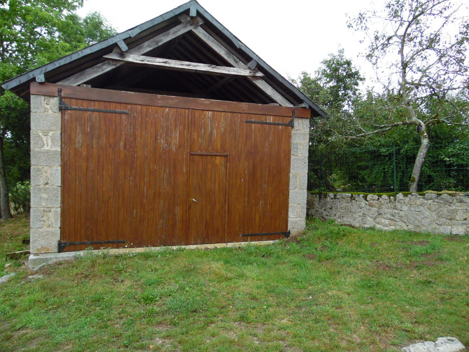 Te koop in de creuse ruim woonhuis bijgebouwen en tuin for Eigen huis en tuin huis te koop