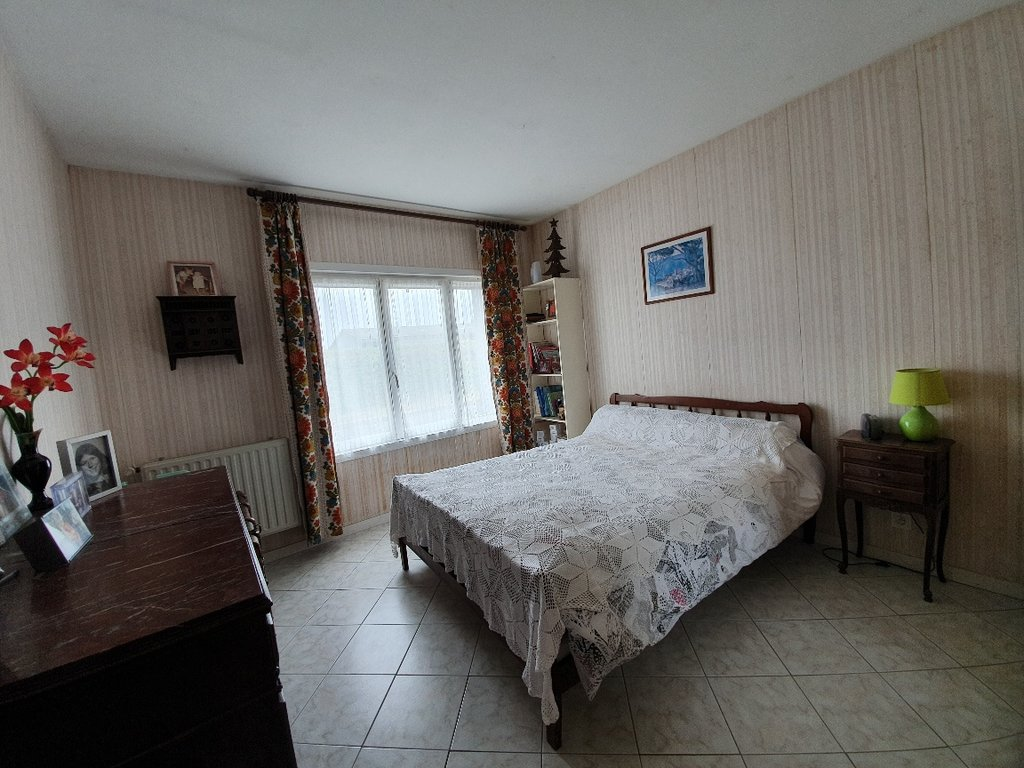 Sale House - Savigné-sur-Lathan