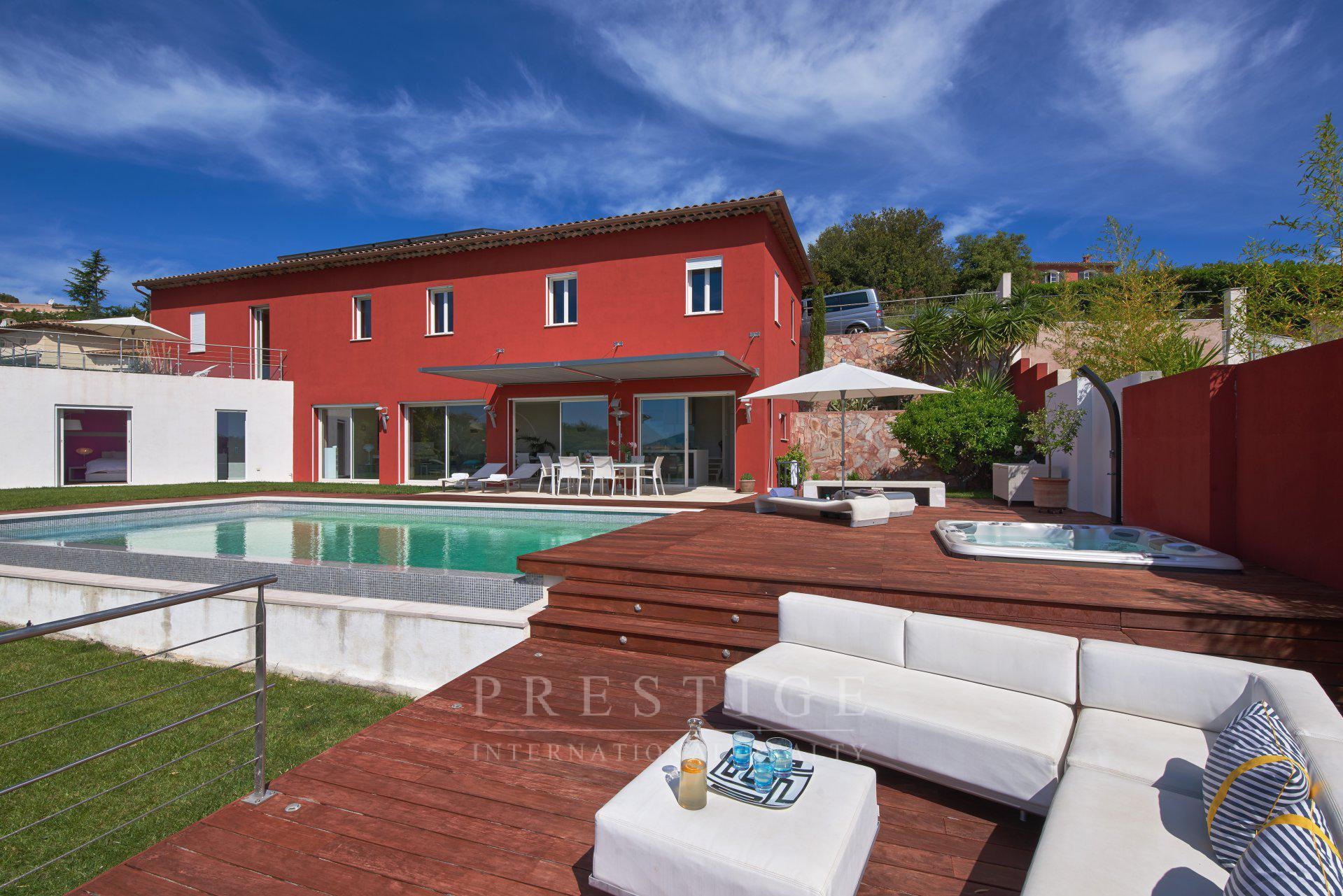 4-bedroom contemporary house in Peymeinade with pool and sea view