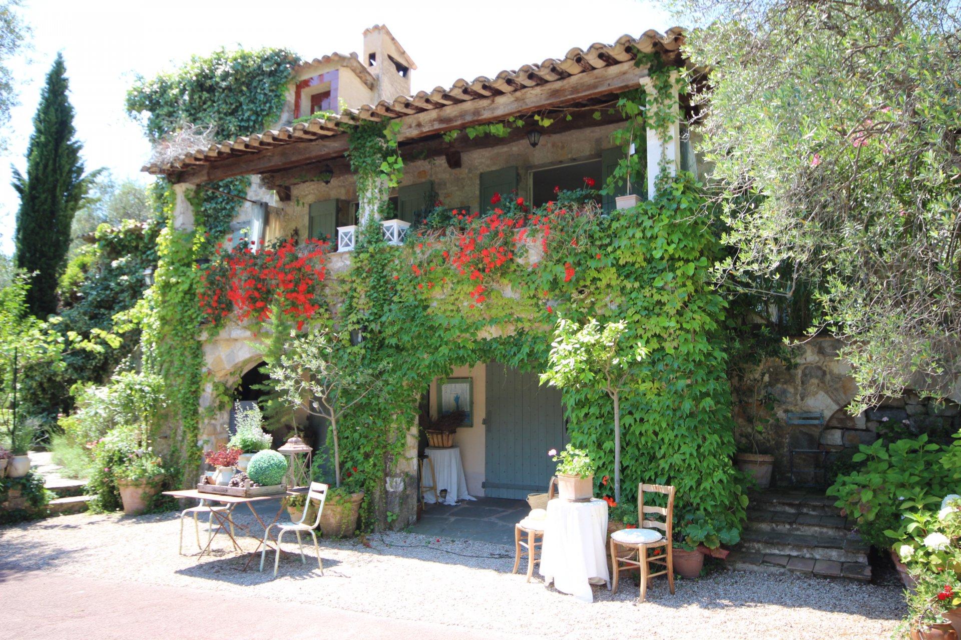 Mas provençal de charme Le Bar Sur Loup