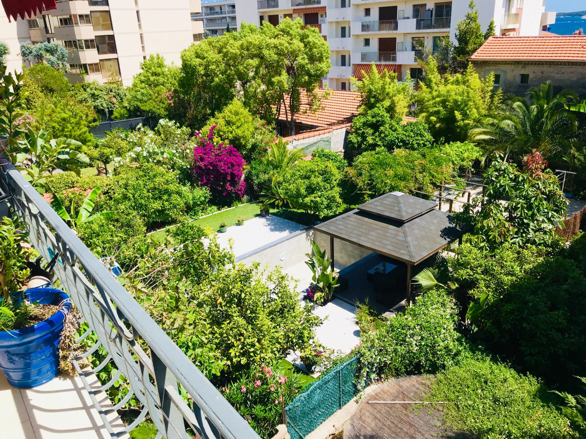 2 BEDROOMS APARTMENT IN CANNES