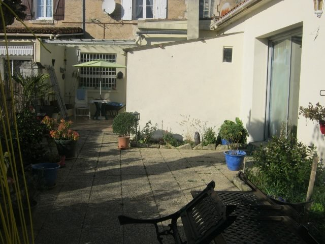 Village Life with Amenities on your Doorstep and a Ready Made Shop Front!  - Saint Claud