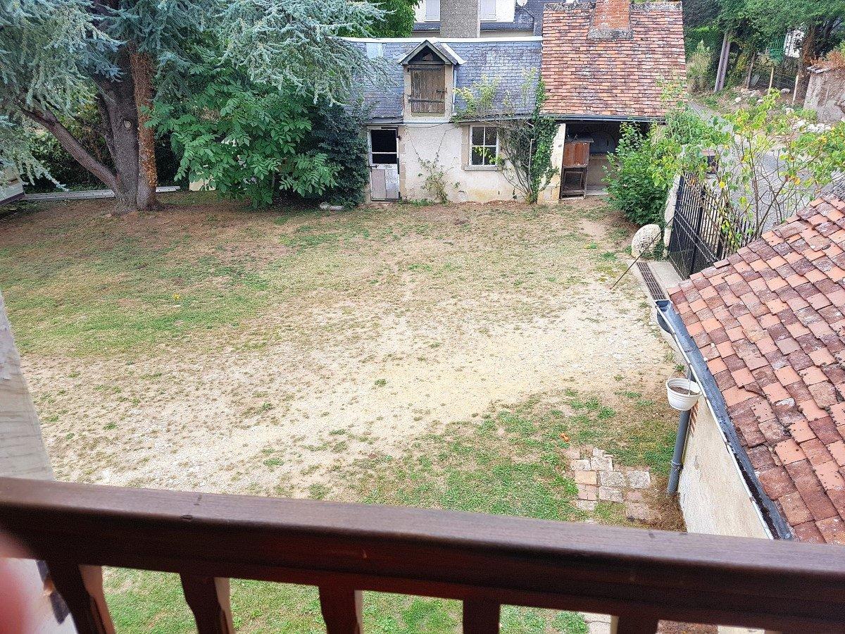 Groot huis met binnenplaats en tuin
