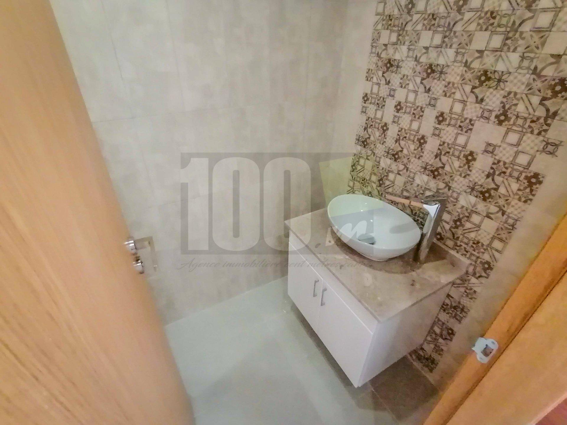 Vente appartement S+2 neuf de 120,5 m² à La Mannouba