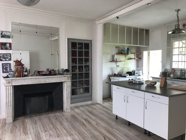 Natural light, kitchen island