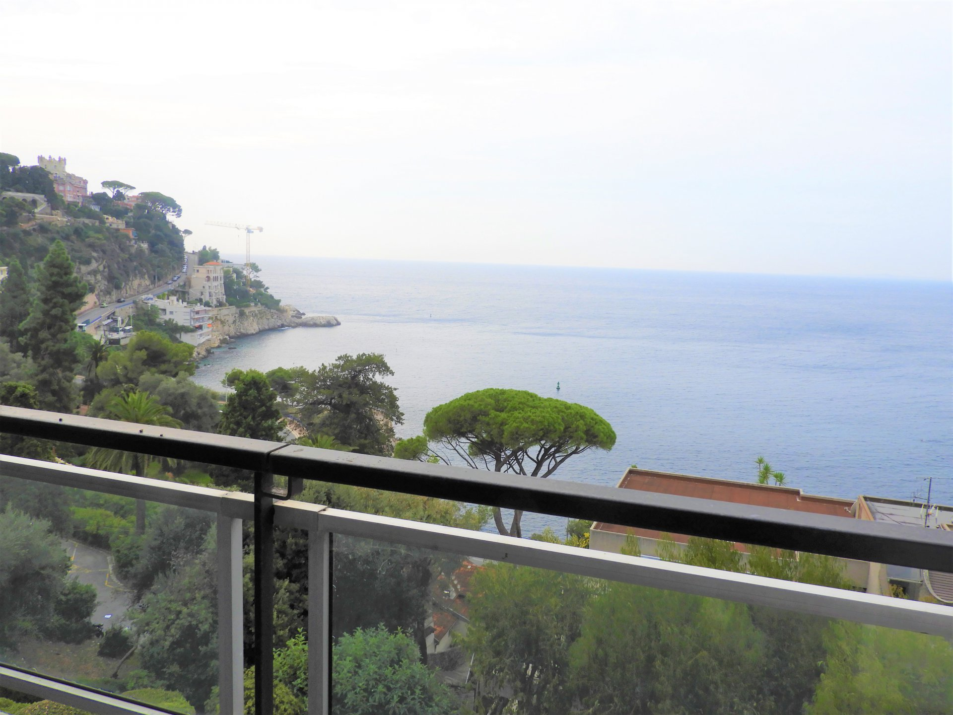 Nice Mont Boron - large 2 bed apartment with terrace and sea views